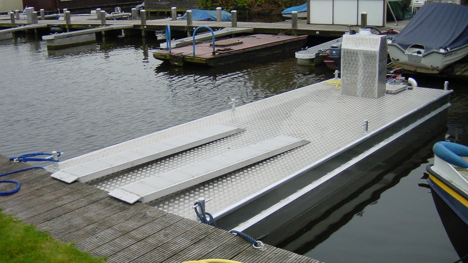 AluminiumJon.nl-Ponton 6 meter-work pontoons of 3, 4, 6, 8 and 14 meters of aluminium.